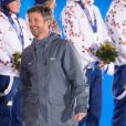 Le prince Frederik de Danemark aux JO de Sotchi le 20 février 2014, lors de la remise de médailles du relais mixte en biathlon