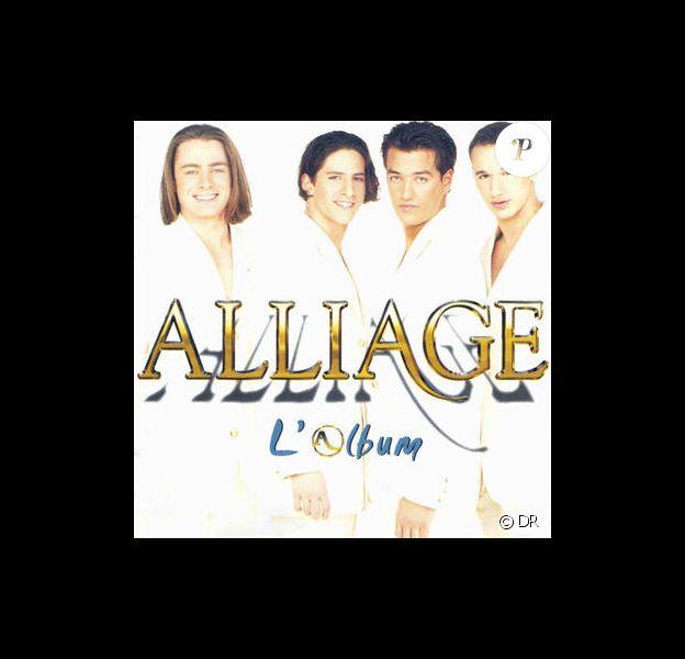 Steven Gunnell, Roman Lata Ares, Florent Lienasson, Brian Torres et Quentin Elias sur la pochette de leur premier album sorti en 1997.