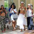 Exclusif - Nicole Murphy se balade à Hawaï, suivie par les caméras d'Hollywood Exes. Le 24 février 2014.