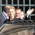La princesse Charlene de Monaco arrive le 5 mars 2014 à la Cour carrée du Louvre pour le défilé Louis Vuitton, le premier signé Nicolas Ghesquière, lors de la Fashion Week prêt-à-porter automne-hiver 2014-2015 de Paris.