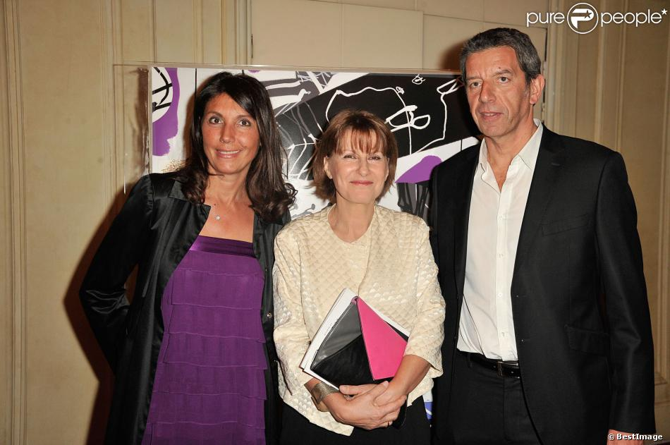 michel cymes avec sa femme et patricia chalon lors du gala. Black Bedroom Furniture Sets. Home Design Ideas
