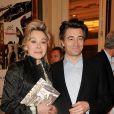 Grâce de Capitani et son compagnon Jean-Pierre Jacquin lors du gala Enfance Majuscule, salle Gaveau à Paris le 10 mars 2014