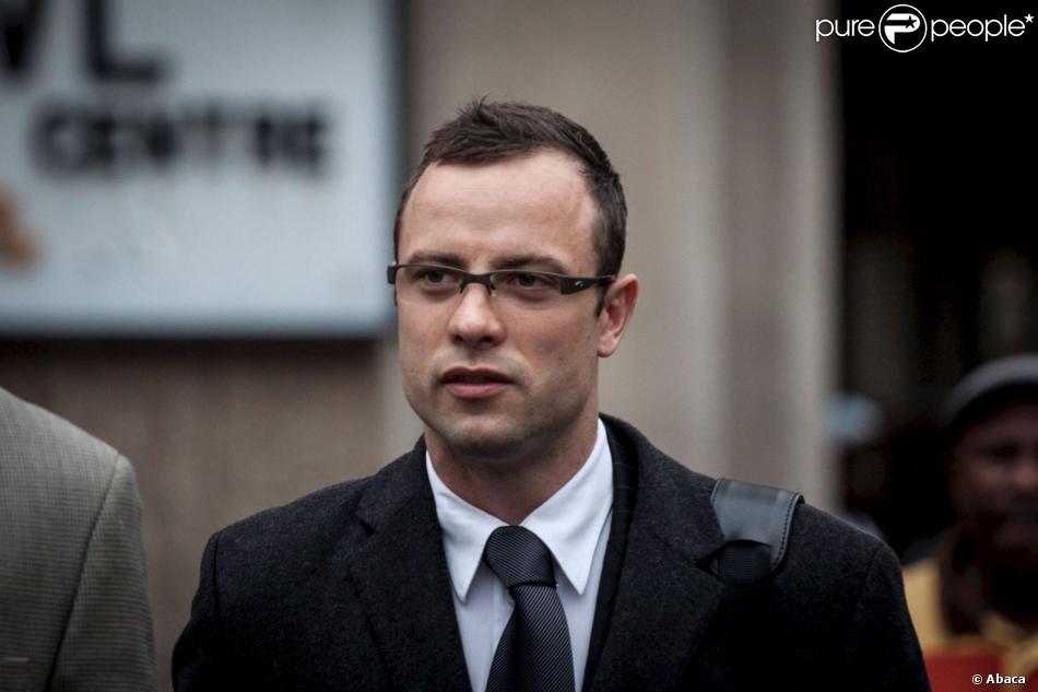 Oscar Pistorius lors de son arrivée devant la Haute cour de Pretoria le 10 mars 2014