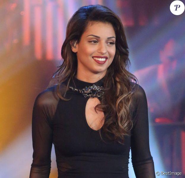 """La chanteuse Tal lors de l'enregistrement de l'émission """"Les années bonheur"""" à Paris le 5 mars 2014. L'émission sera diffusée, le 15 mars 2014."""