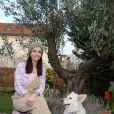 Adeline Blondieau s'éclate avec ses enfants Aïtor et Wilona chez elle à Colombes
