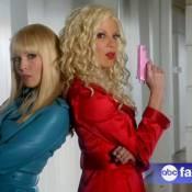 Tori Spelling et Jennie Garth, complices, dévoilent des images de Mystery Girls
