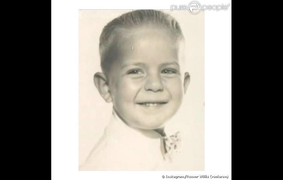 """""""Happy Birthday to the Amazing man that I get to call dad. I love you papa. #beedubbday"""" [Joyeux anniversaire à l'homme formidable que j'appelle papa. Je t'aime papa], a écrit Rumer Willis en légende de sa photo Instagram postée le 19 mars 2014"""