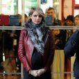 Miss France 2014, Flora Coquerel, et Sylvie Tellier, très enceinte, ont assisté à des célébrations pour le Nouvel An chinois, au Printemps-Haussmann à Paris, le 5 février 2014.