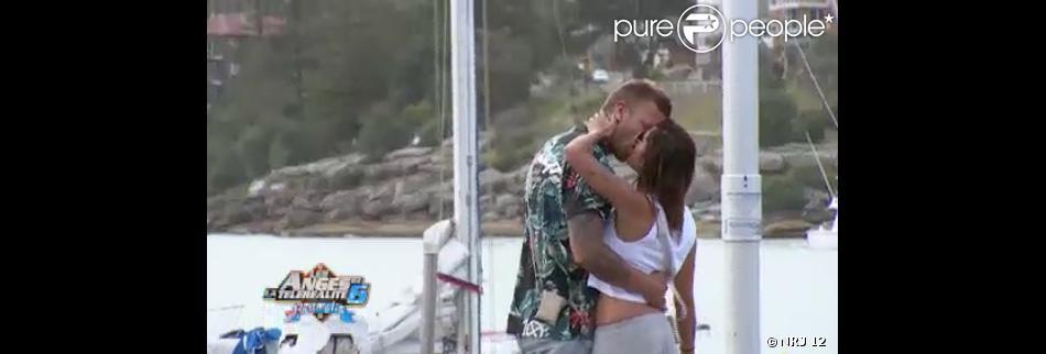 Tendre baiser pour Anaïs et Benjamin ( Les Anges de la Télé-Réalité 6  - épisode diffusé le vendredi 28 mars 2014.)
