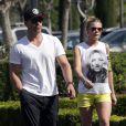 Exclusif - LeAnn Rimes et son mari Eddie Cibrian dans les rues de Calabasas, le 20 février 2014.