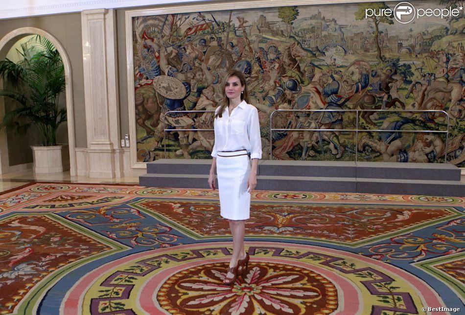 La princesse Letizia d'Espagne lors d'une journée d'audiences à la Zarzuela le 9 avril 2014