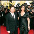 Mike Myers et sa première épouse Rubin Ruzan en 2004 au Festival de Cannes pour Shrek 2