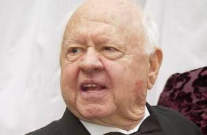 Mort de Mickey Rooney : Funérailles imminentes, sa famille se déchire toujours