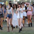 Kendall et Kylie Jenner avec Selena Gomez lors du 1er jour du Festival de Coachella à Indio, le 11 avril 2014.