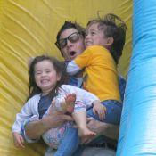 Johnny Knoxville : La star de Jackass se lâche avec ses bambins devant sa belle