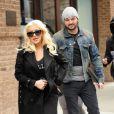 Christina Aguilera (enceinte) se balade avec son fiancé Matthew Rutler à New York, le 18 avril 2014.