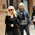 Christina Aguilera (enceinte) et son fiancé Matt Rutler se promènent dans les rues de New York, le 18 avril 2014.