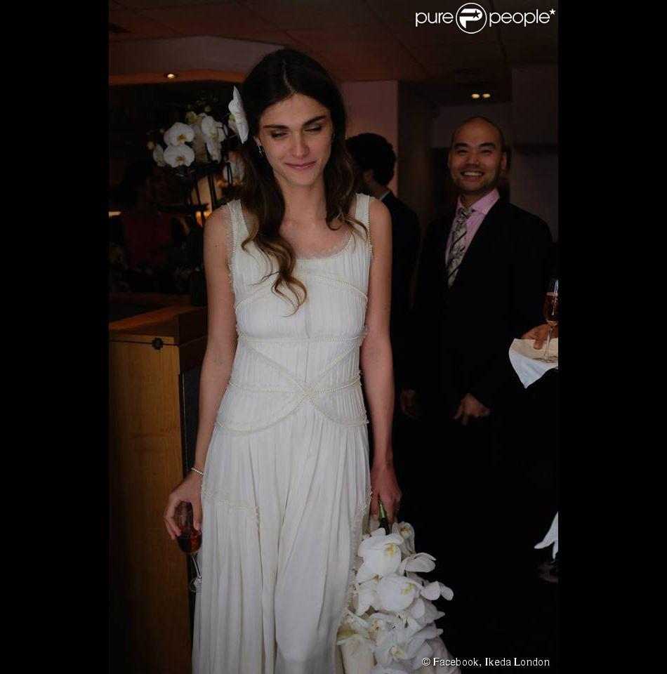 Elisa Sednaoui au restaurant  Ikeda , à Londres, le 3 mai 2014 lors de la réception pour son mariage avec Alex Dellal. Photographie publiée par l'établissement.