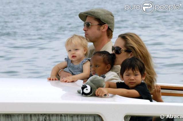 Brad Pitt et Angelina Jolie, une famille nombreuse qui coûte cher à la France !