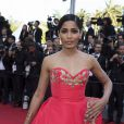 Freida Pinto sur le red carpet à Cannes le 18 mai 2014