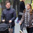 Exclusif - La princesse Madeleine de Suède, son mari Chris O'Neill et leur fille Leonore en promenade à New York le 30 mars 2014.