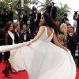 """Mallika Sherawat - Montée des marches du film """"Jimmy's Hall"""" lors du 67e Festival du film de Cannes le 22 mai 2014"""