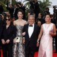 """Chantal Lauby, Frédérique Bel, Christian Clavier et Isabelle De Araujo (Bijoux APM Monaco) - Montée des marches du film """"Jimmy's Hall"""" lors du 67e Festival du film de Cannes le 22 mai 2014"""