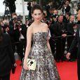 """Frédérique Bel - Montée des marches du film """"Jimmy's Hall"""" lors du 67e Festival du film de Cannes le 22 mai 2014"""