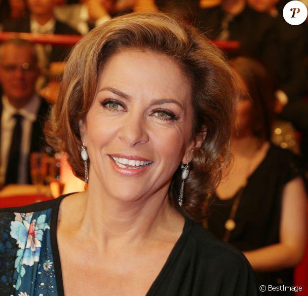 """Exclusif - Corinne Touzet - Émission """"Le plus grand cabaret du monde"""" le 29 avril 2014."""