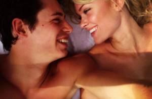 Caroline Receveur et son fiancé: Nus et au lit, les amoureux s'offrent un selfie