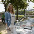 Natalia Sklenarikova (soeur d' Adriana) - 15 ème Rallye des Princesses à Paris - Journée des vérifications des voitures, Esplanade des Invalides. Paris, le 31 mai 2014