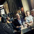 Exclusif - Jean-Paul Belmondo, son fils Paul et le producteur Cyril Viguier ont déjeuné au café de l'Alma pour fêter la concrétisation du documentaire qui va être tourné pour TF1 sur Jean-Paul Belmondo le 20 mars 2014
