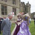 Le prince Charles en visite au château de Warwick le 2 juin 2014 pour le 1 100e anniversaire de l'édifice.