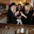 Les Plasticines assistent à la soirée organisée par la marque de produits capillaires Aussie à Paris, le mercredi 4 juin 2014.