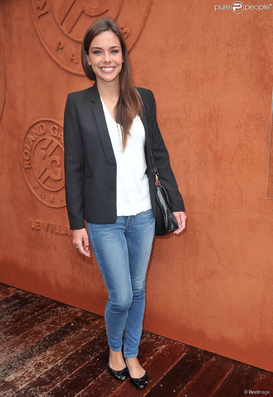 Marine Lorphelin : casual et lookée au village des Internationaux de France de tennis de Roland Garros à Paris le 4 juin 2014