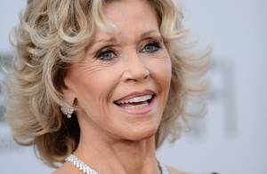 Jane Fonda, étincelante et honorée devant son fils Troy et son frère Peter Fonda
