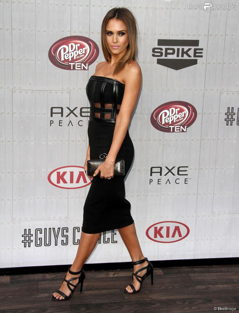 Jessica Alba, renversante lors des les Guys Choice Awards à Culver City le 7 juin 2014