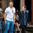 Katharine McPhee et son mari Nick Cokas quittent un restaurant à Los Angeles le 6 octobre 2012.