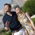 """Joel McHale et Gillian Jacobs lors du photocall de """"Community"""" pendant le 54e Festival de télévision de Monte-Carlo à Monaco, le 9 juin 2014."""