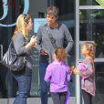 Exclusif - Halle Berry et sa fille Nahla sont allées déjeuner avec des amies à Los Angeles. Le 22 mars 2014.