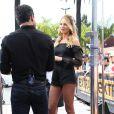 Candice Swanepoel et Mario Lopez participent à l'émission Extra TV à Los Angeles, le 9 juin 2014