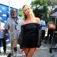 Candice Swanepoel participe à l'émission Extra TV à Los Angeles, le 9 juin 2014