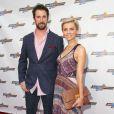 """Noah Wyle et sa compagne Sara Wells à la première du film """"Snake & mangoose"""" à Los Angeles le 27 août 2013."""