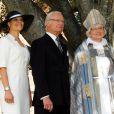 La princesse Victoria de Suède, très chic, et ses parents le roi Carl XVI Gustaf et la reine Silvia de Suède assistaient dimanche 15 juin 2014 à la cérémonie d'ordination de l'évêque Antje Jackeléns archevêque de l'Eglise de Suède en la cathédrale d'Uppsala.