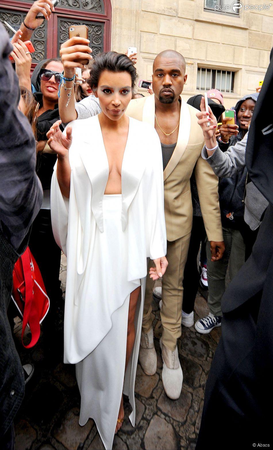 Kim Kardashian et Kanye West en route pour leur pré-dîner de mariage au château de Versailles