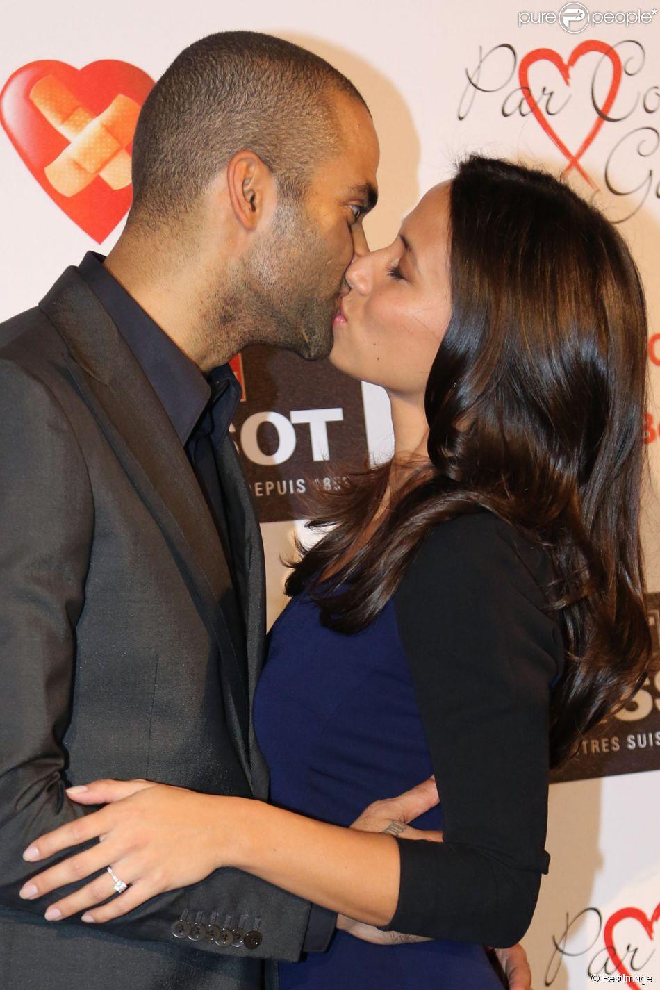 Tony Parker et sa fiancée Axelle lors du Par Coeur Gala à l'abbaye Paul Bocuse de Collonges le 26 septembre 2013