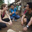 Angelina Jolie, ambassadrice de l'UNHCR visite le camp de réfugiés birmans de l'ethnie Karenni à Ban Mai Nai So en Thaïlande, le 20 juin 2014, lors de la journée mondiale des réfugiés.