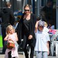 Angelina Jolie et ses filles Shiloh et Vivienne a Sydney, le 15 septembre 2013.