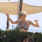 Miley Cyrus : Elle oublie les scandales en bikini, au soleil et en famille