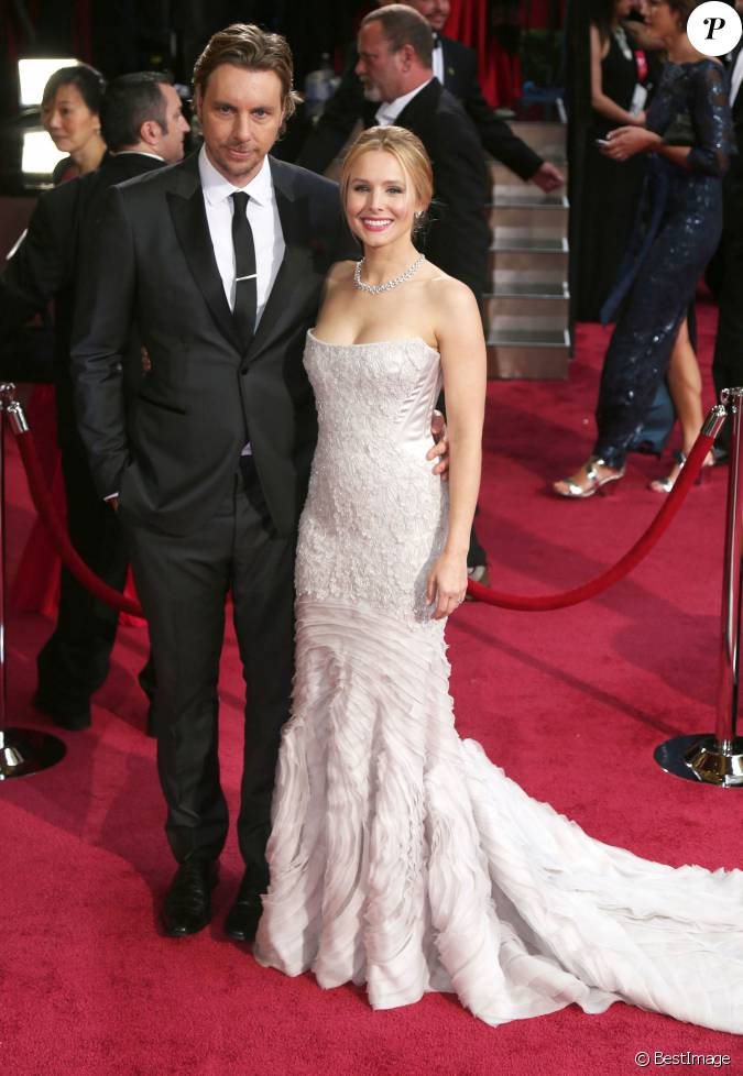kristen bell et son mari dax shepard aux oscars 2014. Black Bedroom Furniture Sets. Home Design Ideas